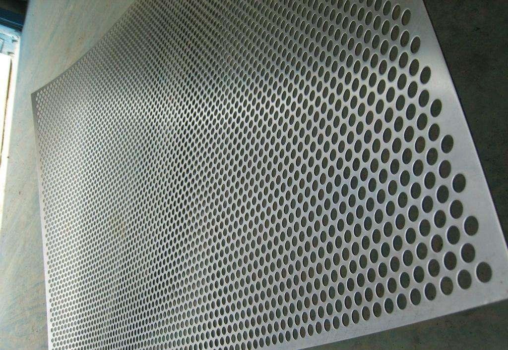 金属冲孔网板